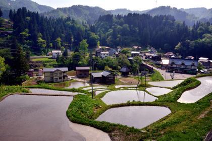 今回は山越えから津南.栄村を経由して野沢温泉に..._b0194185_23124970.jpg