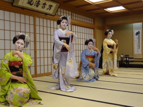 京都 舞妓さん芸妓さん_f0093292_1663379.jpg