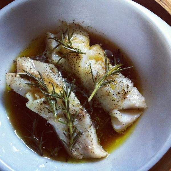 鱈のローズマリー蒸し _f0170995_1537466.jpg