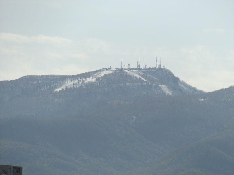 山頂に追いやられる雪と教員の講義管理システム_c0025115_20351917.jpg