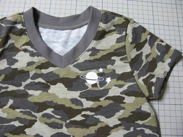 V首TシャツとキッズT_f0129726_22423291.jpg