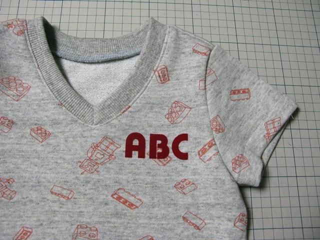 V首TシャツとキッズT_f0129726_22472981.jpg