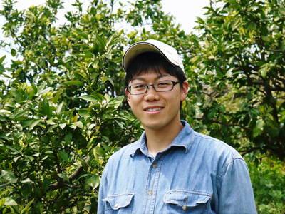 ザ・みかん みかんの花咲く様子(2020年)と春草を有機肥料に!!元気いっぱいの果樹で育てます!!_a0254656_18204966.jpg
