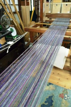 赤城の節糸にイロイロな色糸の八寸帯地。_f0177373_2057378.jpg