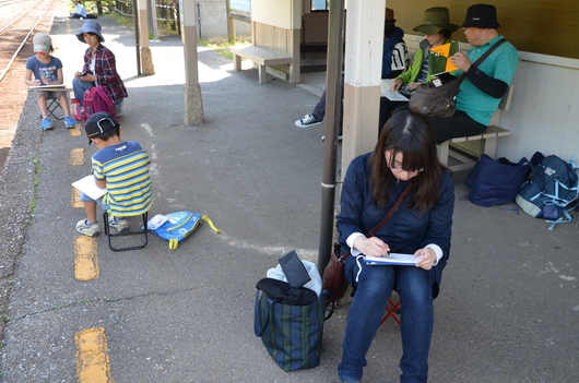 5/18の土曜スケッチ会、小湊鐵道に行ってきました!!_c0131063_1854459.jpg