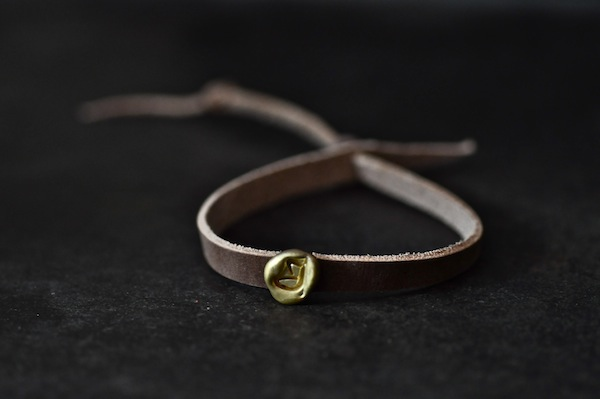 leather bangle + brass  drop_b0172633_12281520.jpg
