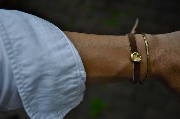 leather bangle + brass  drop_b0172633_1229779.jpg