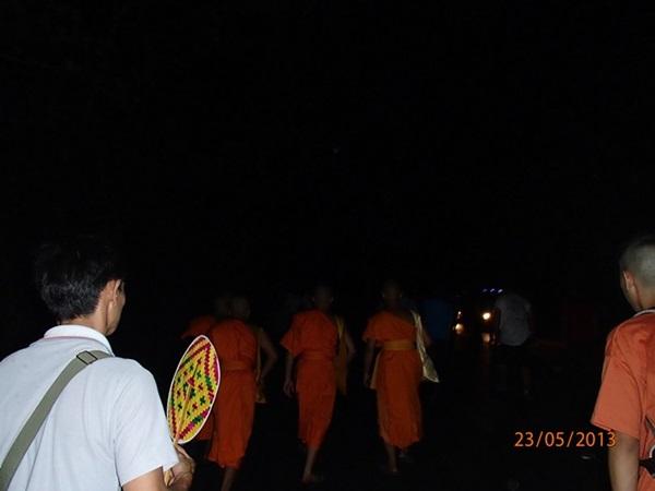 ドーイステープ山を徹夜で歩くイベント_e0182138_20375175.jpg