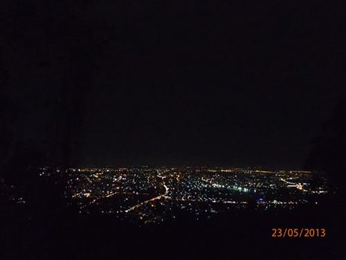 ドーイステープ山を徹夜で歩くイベント_e0182138_20391021.jpg