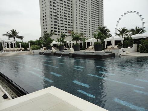 大好き♪シンガポール旅行 その4 マンダリンオリエンタルシンガポール プール_f0054260_81495.jpg