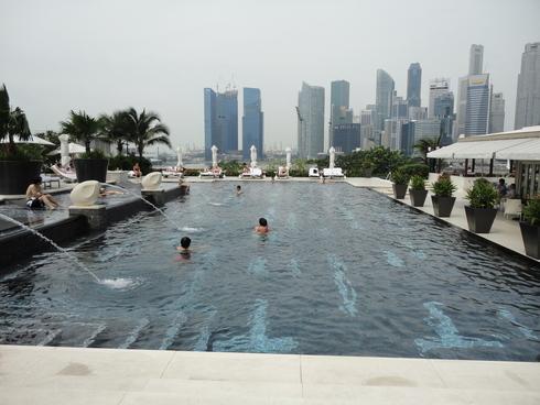 大好き♪シンガポール旅行 その4 マンダリンオリエンタルシンガポール プール_f0054260_81650.jpg
