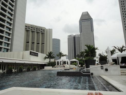 大好き♪シンガポール旅行 その4 マンダリンオリエンタルシンガポール プール_f0054260_852955.jpg