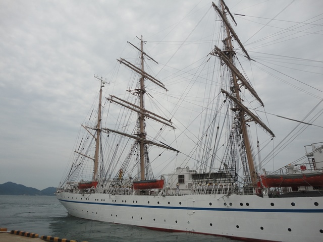 バリシップ2013/NO5帆船「日本丸」登しょう礼_f0231709_1658202.jpg