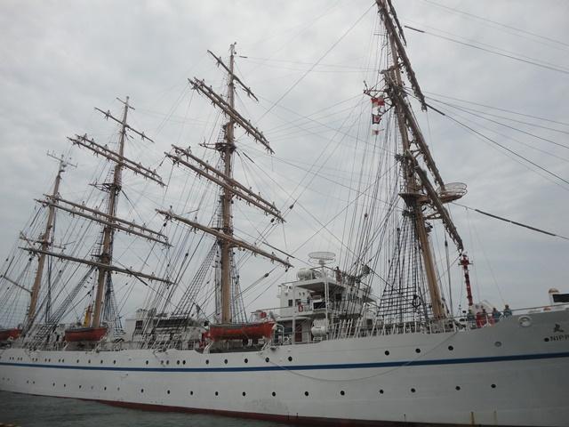 バリシップ2013/NO5帆船「日本丸」登しょう礼_f0231709_1715576.jpg
