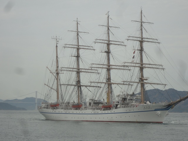 バリシップ2013/NO5帆船「日本丸」登しょう礼_f0231709_1754377.jpg
