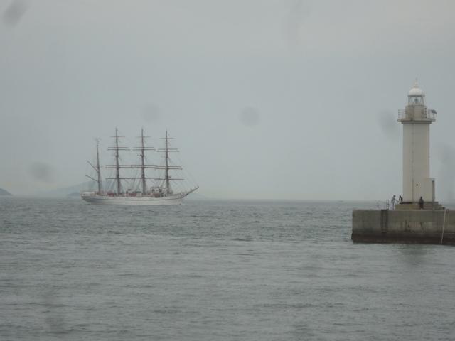 バリシップ2013/NO5帆船「日本丸」登しょう礼_f0231709_1762499.jpg