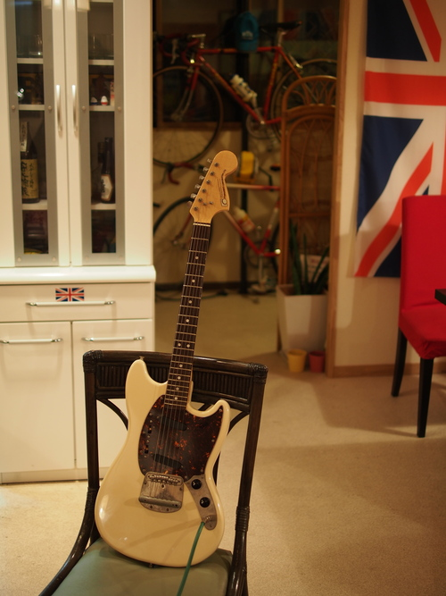 Guitar Shop_f0137626_23174326.jpg