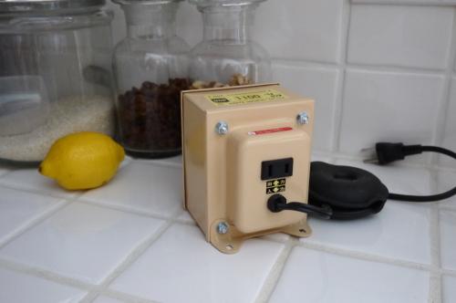 やっぱり必要?変電圧器について_d0129786_10585363.jpg
