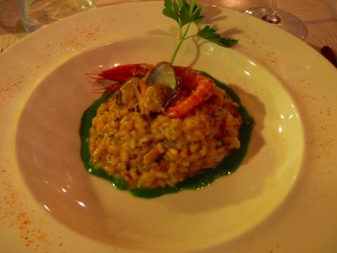 欧州出張2013年05月-第五日目-ジェノヴァの素敵なレストランで美味しい魚のグリル_c0153302_14495744.jpg