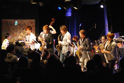 BATTLE JAZZ BIG BAND 「ライブ2013 春の陣」_b0183698_16341349.jpg