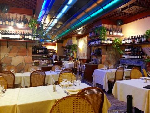 欧州出張2013年05月-第六日目-豪雨の中、近所の安心できるレストランへ_c0153302_9514138.jpg