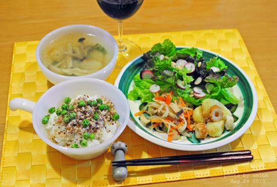 5月29日 水曜日 三色そぼろご飯&わさび風味の紅白なます_b0288550_20534427.jpg