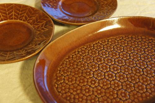 益子焼の楕円皿と飯碗。_d0153459_23395433.jpg