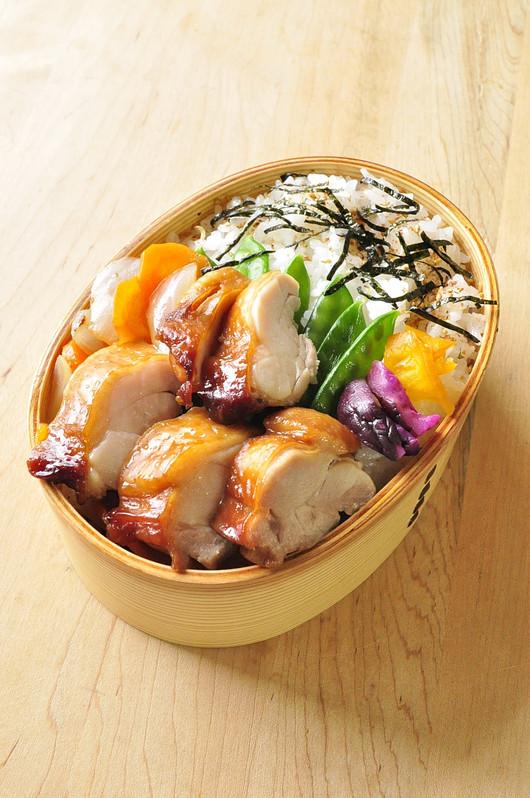 レンジでチキン&たっぷり野菜弁当_b0171098_6275832.jpg