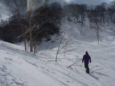 【滑走レポ 2013.4.22】 4月下旬の新雪に道中ドキドキ(笑)@かぐら_e0037849_9162292.jpg