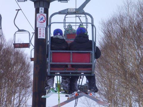 【滑走レポ 2013.4.22】 4月下旬の新雪に道中ドキドキ(笑)@かぐら_e0037849_9163254.jpg
