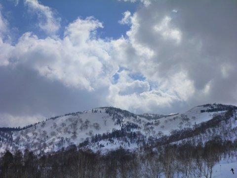 【滑走レポ 2013.4.22】 4月下旬の新雪に道中ドキドキ(笑)@かぐら_e0037849_9164088.jpg