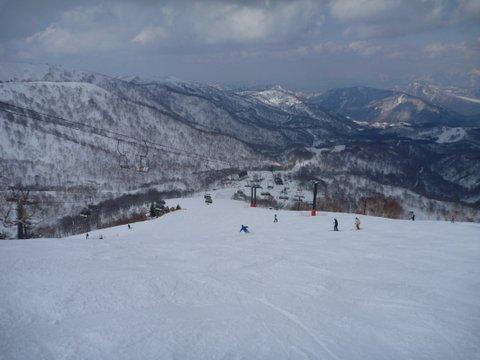 【滑走レポ 2013.4.22】 4月下旬の新雪に道中ドキドキ(笑)@かぐら_e0037849_9165050.jpg