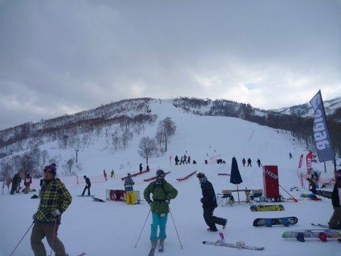 【滑走レポ 2013.4.22】 4月下旬の新雪に道中ドキドキ(笑)@かぐら_e0037849_917188.jpg