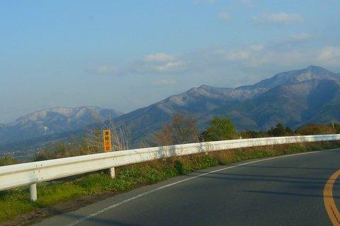 【滑走レポ 2013.4.22】 4月下旬の新雪に道中ドキドキ(笑)@かぐら_e0037849_934051.jpg