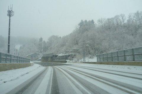 【滑走レポ 2013.4.22】 4月下旬の新雪に道中ドキドキ(笑)@かぐら_e0037849_9518.jpg