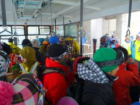 【滑走レポ 2013.4.22】 4月下旬の新雪に道中ドキドキ(笑)@かぐら_e0037849_961313.jpg