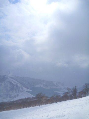 【滑走レポ 2013.4.22】 4月下旬の新雪に道中ドキドキ(笑)@かぐら_e0037849_972546.jpg
