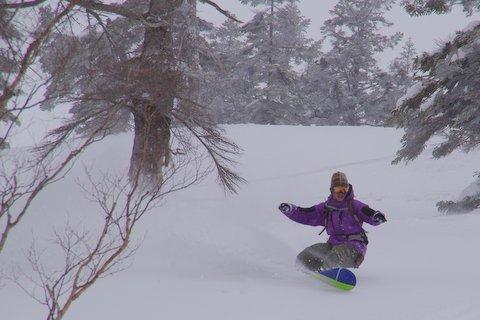 【滑走レポ 2013.4.22】 4月下旬の新雪に道中ドキドキ(笑)@かぐら_e0037849_992591.jpg
