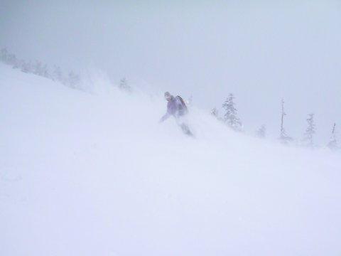 【滑走レポ 2013.4.22】 4月下旬の新雪に道中ドキドキ(笑)@かぐら_e0037849_99454.jpg