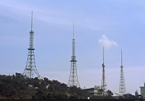 実験時代のテレビ送信棟_b0115553_11485249.png