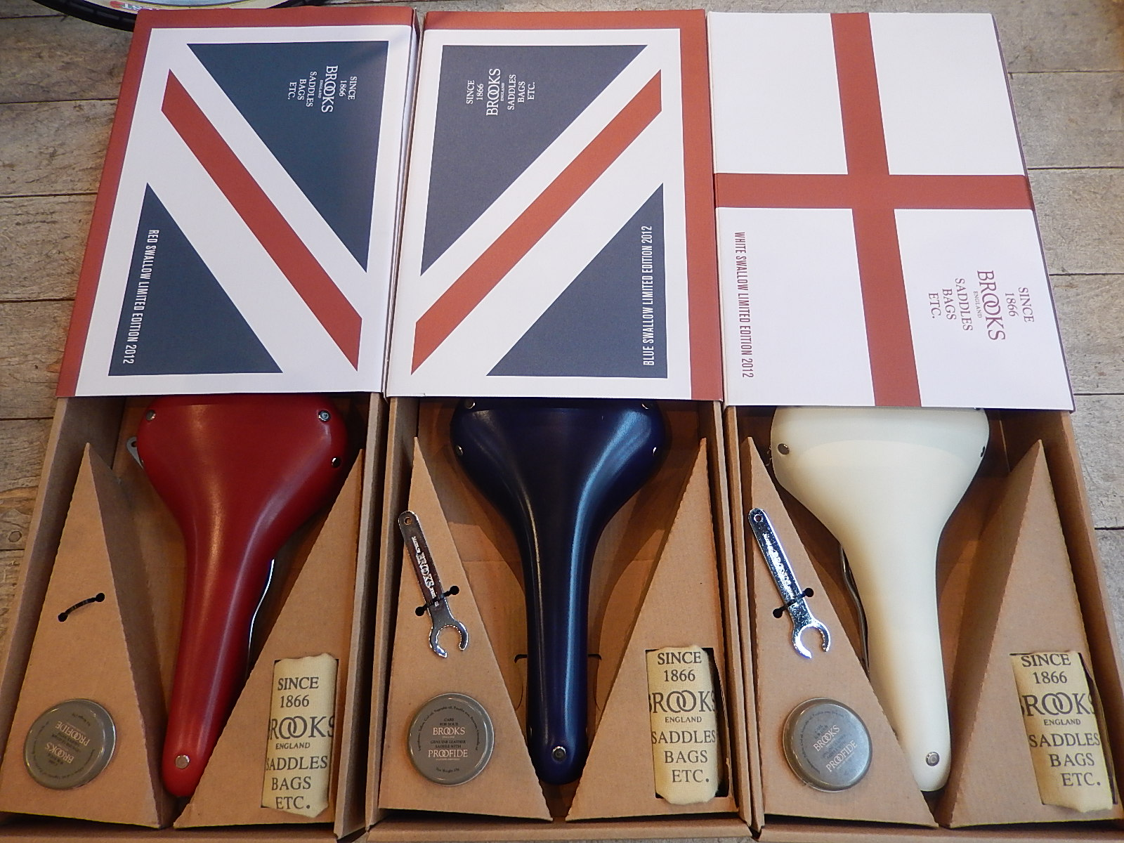 ロンドンオリンピック UNION JACK   Limited Edition_e0188759_13173851.jpg