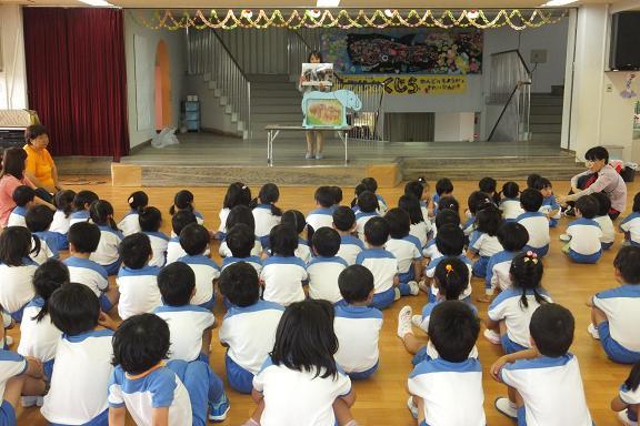 幼稚園でお話し会_e0272869_20262518.jpg