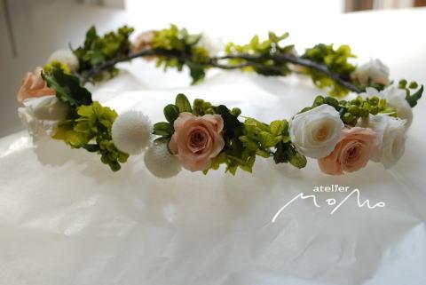 ベージュピンクとホワイトローズの花冠_a0136507_15182884.jpg
