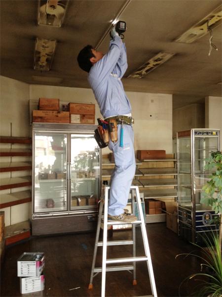 事務所改修 電気工事中!_c0225122_1191158.jpg