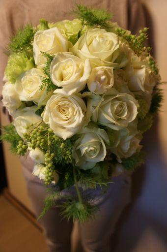 お母さま作~生花のウェディングブーケ_f0155431_23251125.jpg