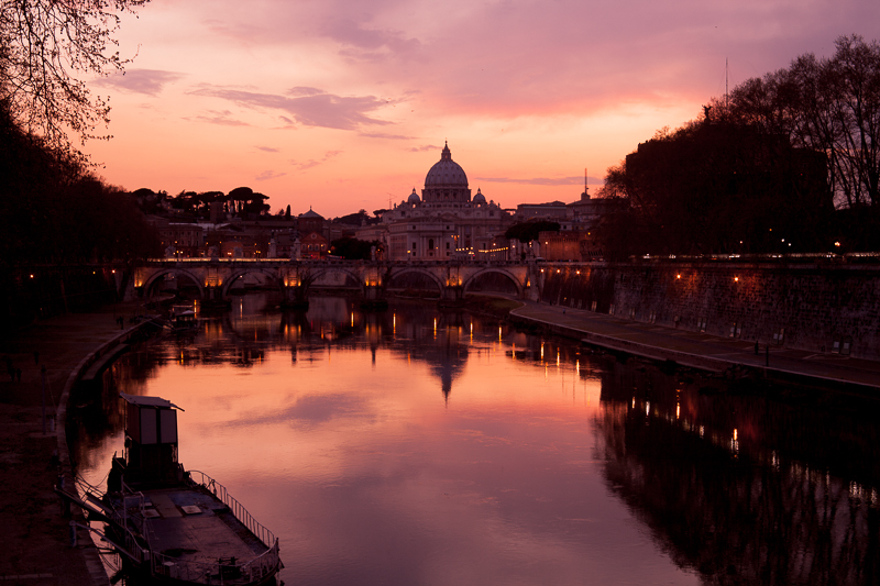 View of Vatican City from Tiber Liver - Rome_c0120439_052739.jpg