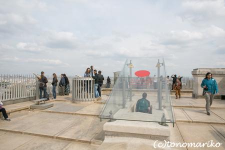 凱旋門の展望台へ!_c0024345_19535127.jpg