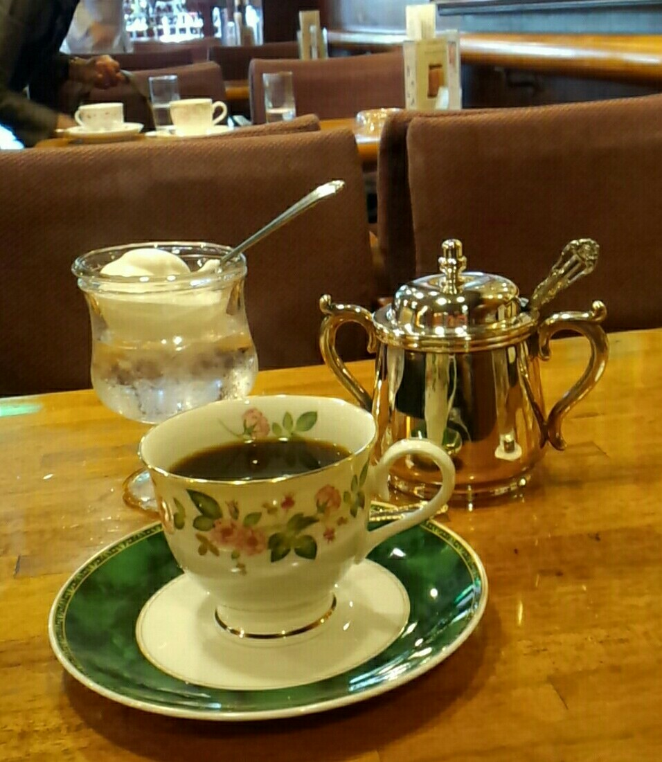 博多の老舗・喫茶店へ_a0098948_17205186.jpg
