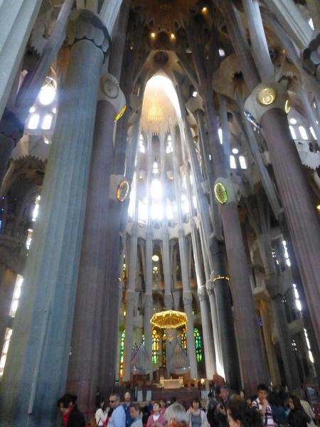 スペイン バルセロナ  アントニ・ガウディ作のサグラダ・ファミリア大聖堂を見学_b0011584_211441.jpg