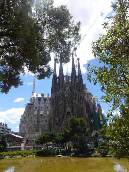 スペイン バルセロナ  アントニ・ガウディ作のサグラダ・ファミリア大聖堂を見学_b0011584_2122947.jpg